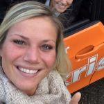 BMWi3 van Ekris en een brede glimlach van onze assistentes!